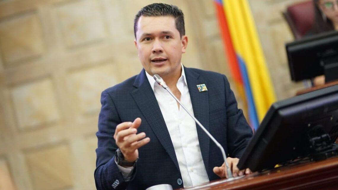 La polémica solicitud de congresista de García Rovira, que no cayó bien a docentes