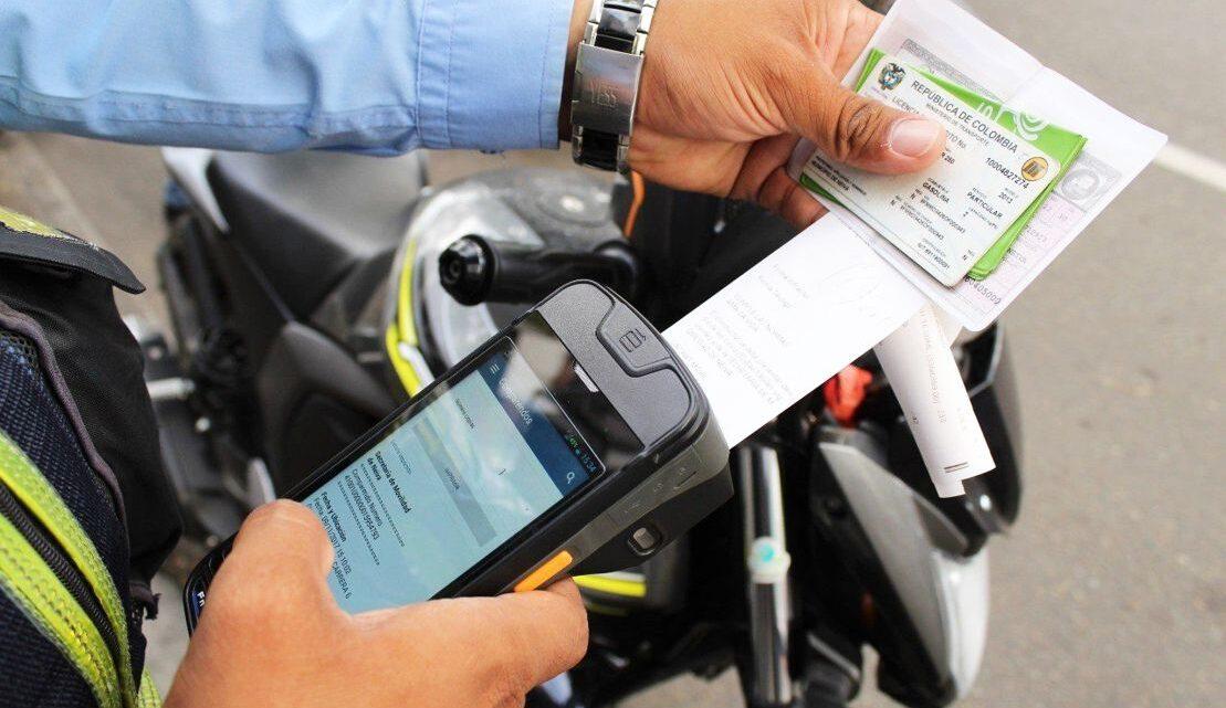 ¿Tiene multas de tránsito en Málaga? Podría pagar sólo el 50% del capital y no pagar intereses
